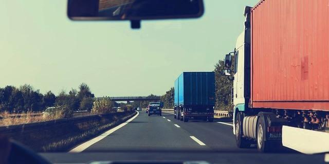Los transportistas han recurrido ante la Justicia los desvíos obligatorios a peajes de camiones