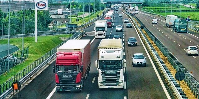 fomento exigirá fp o grado superior a los transportistas