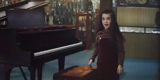 La niña protagonista del nuevo anuncio de Catalana Occidente.