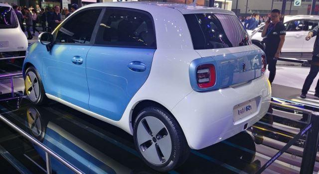 coche eléctrico low cost ORA R1 presentado en China (trasera)