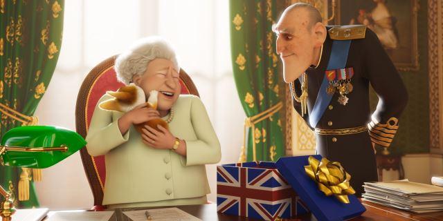 La Reina Isabel II y su corgi en una imagen de la película.