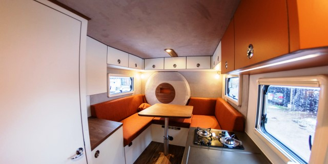 INTERIOR CAMPER MERCEDES