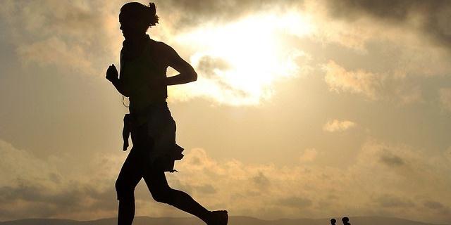 chica practica running
