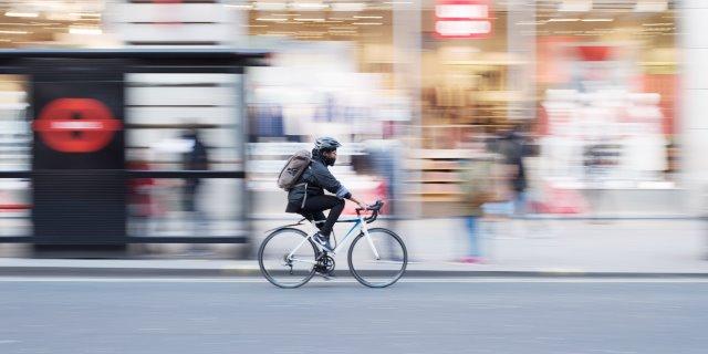 Van a hacer el primer crash-test para cascos de bicicleta