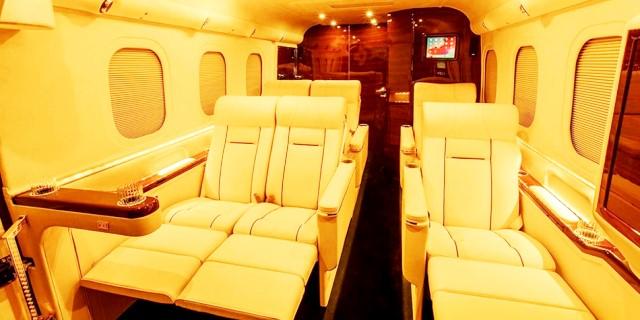 Lexani G-77 Sky Master interior con asientos de lujo