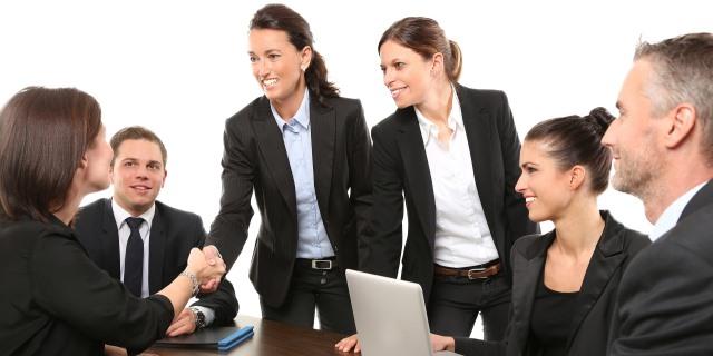 las grandes empresas saben que hay que apostar por la felicidad de sus trabajadores