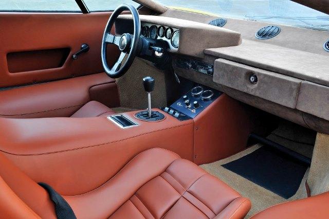 interior Lamborghini Countach LP400 Periscopio