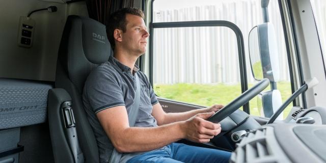 Sueldos bajos y falta de conductores, los problemas del transporte
