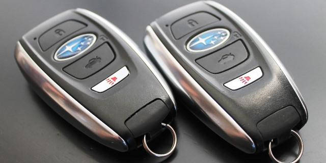dos llaves de coche