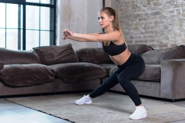 zancada lateral y otros ejercicios para hacer en cuarentena