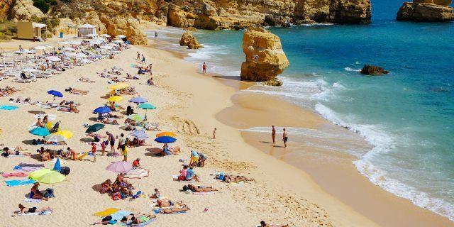 coronavirus en playas y piscinas