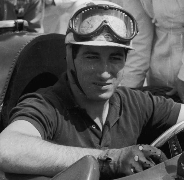 alfonso de Portago compitiendo como piloto de Ferrari