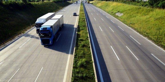 """El transporte exige un """"plan de acción"""" más allá de avales del ICO"""