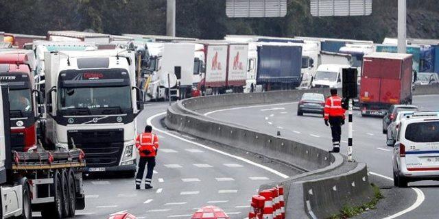 El Transporte amenaza con un paro general por las 44 toneladas