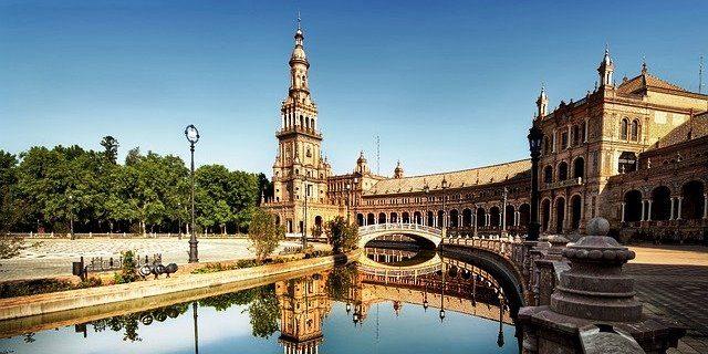 Apertura de oficina de Aegon en Sevilla