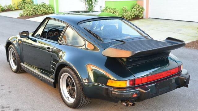 Porsche 911 Turbo S Flachbau