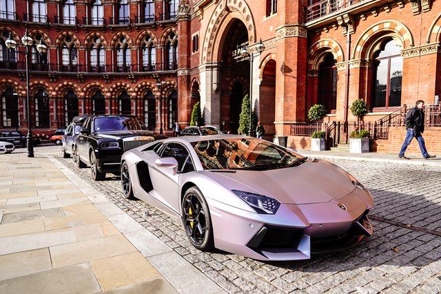 Cuánto cuesta alquilar un coche de gama alta