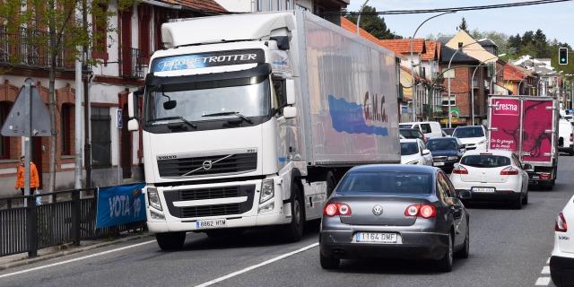 Reducen restricciones al tráfico de camiones entre Burgos y País Vasco