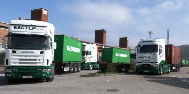 44 toneladas y transporte de contenedores de 45 pies