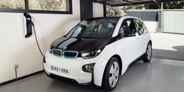 cargar coche eléctrico con la nueva tarifa luz ¿Cuánto cuesta?