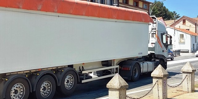 Andalucía, Madrid y Valencia, excluyen a los transportistas de las ayudas