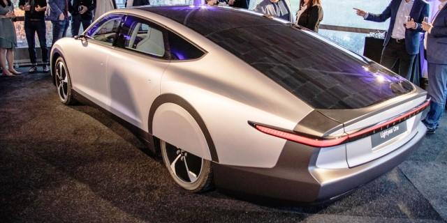 Lightyear One, el coche eléctrico alimentado con energía solar