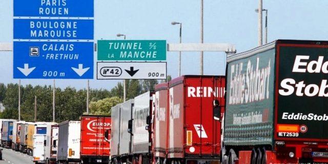 Reino Unido retrasa los controles aduaneros a importaciones europeas