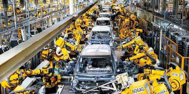 Los microchips chinos hunden la producción europea de automóviles